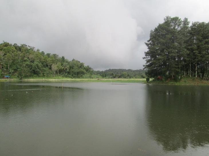 Situ Wanayasa, Pulau Kecil dengan Latar Gunung Burangrang(tertutup kabut)