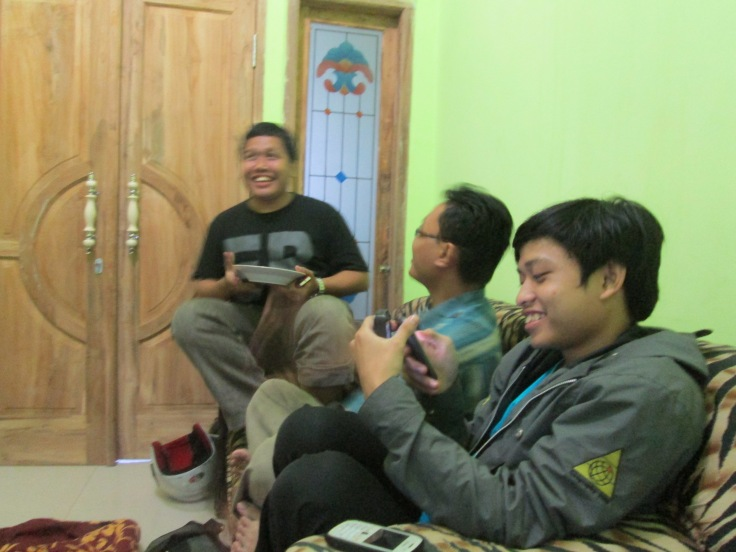 Tertawa Riang, mengingat 3 hari bersama